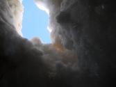 Glacier blanc 040816 Photo extraordinaire ! Christophe est tombé dans une crevasse (la neige a cédé sous son poids Il a pu photographier le ciel en attendant qu'on le sorte